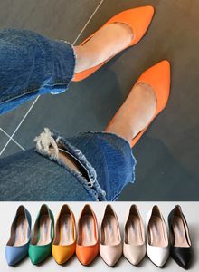 66GIRLSPointed Toe Kitten Pumps